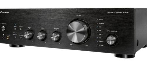 El Pioneer A-40E es un nuevo amplificador estéreo integrado incluye un DAC para música de alta resolución