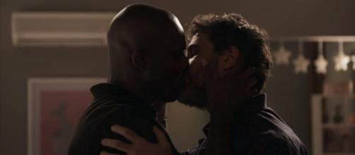 Final da novela teve beijo entre personagens