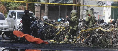 Surabaya: 13 maggio, attentato Isis a 3 chiese cristiane