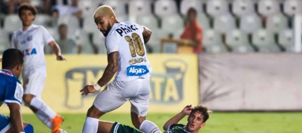 Com direito a gol de letra, Gabigol faz três e comanda goleada do Santos - Foto: Reprodução / Facebook Oficial Santos FC