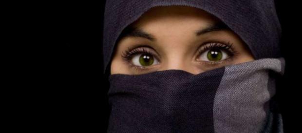 La maestra musulmana non può insegnare con il velo - mobinews.it