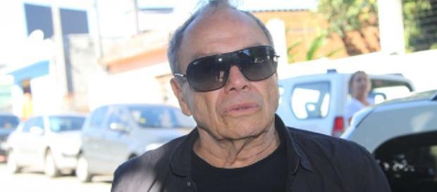 Stênio Garcia aparece quase irreconhecível prestes a entrar em Deus Salve o Rei
