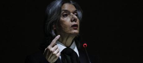 Presidente do STF, ministra Carmen Lúcia se refere a abrangência das leis no Brasil