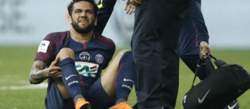 Dani Alves está fuera del Mundial de Rusia por lesión | Revista ... - estadio.ec