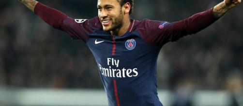 PARA EL FUTURO: Florentino trabaja el fichaje de Neymar | StudioFútbol - com.ec