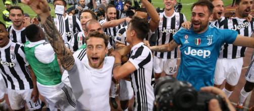 http://www.repubblica.it/sport/2018/05/07/foto/scudetto_juventus_film_del_campionato_allegri_dybala_higuain_buffon-195756346/#1