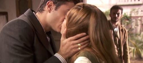 Il Segreto: Prudencio bacia Julieta