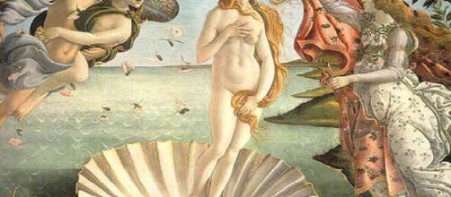 In alto, immagine della Venere di Botticelli