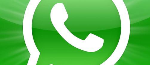 La bugia di WhatsApp: anche i minori di 16 anni la useranno
