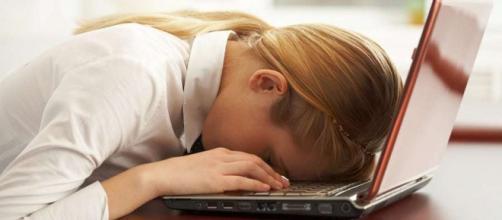 14 razones por las que estás cansado todo el tiempo - psyciencia.com