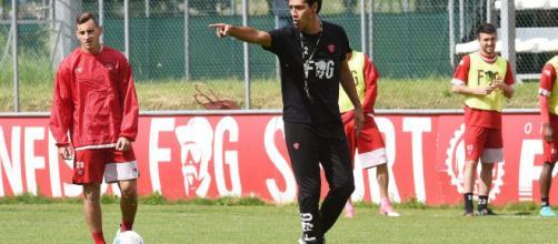 Alessandro Nesta dirige il primo allenamento da tecnico del Perugia calcio
