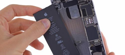 Apple sostituirà le batterie di iPhone a 29€ #LegaNerd - leganerd.com