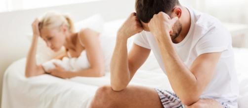 Entenda o que pode estar atrapalhando suas noites de amor (Foto: Reprodução)