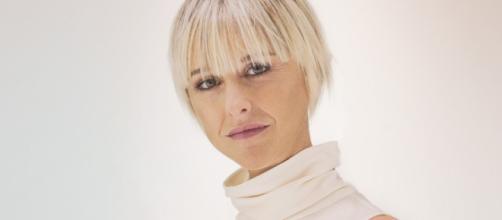 Nadia Toffa: la telefonata in diretta a Le Iene, l'applauso e le promesse.