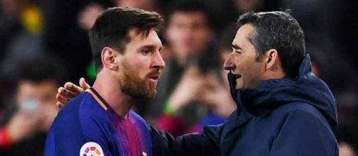 Messi com o treinador Ernesto Valverde