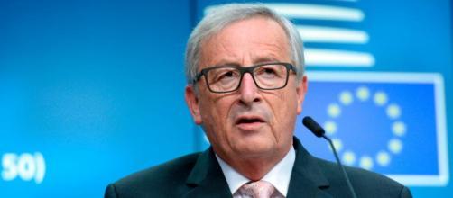 Juncker sul caso Italia: 'Germania non calpesti la dignità degli italiani'.