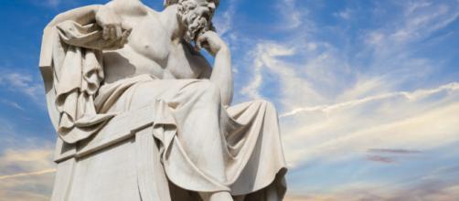 O questionamento é essencial na filosofia de Sócrates
