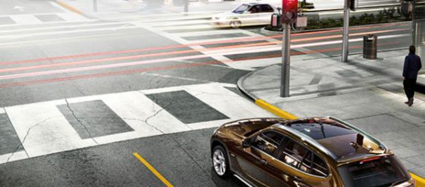 A Roma, lungo Corso Francia un cecchino colpisce un automobilista fermo al semaforo. Gli inquirenti stanno indagando