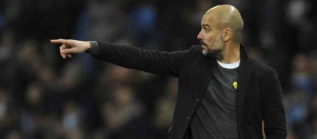 Pep Guardiola continua à procura de reforços