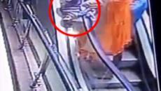 Menina morre após mãe deixá-la cair enquanto tirava 'selfie' em escada rolante