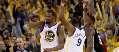 NBA: Warriors et Sixers en demies de Conférence, Spurs et Heat à ... - bfmtv.com