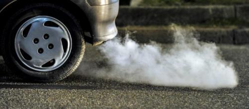 15 maneras de hacer que tu coche contamine menos - elpais.com