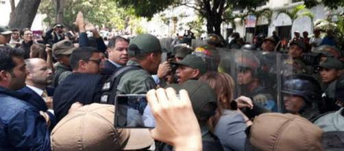 Violencia en la Asamblea Nacional de Venezuela 15 de mayo 2018