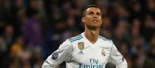 Cristiano Ronaldo está atento ao que se passa no Real