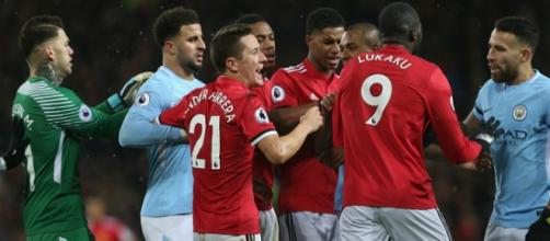 Derby di Manchester tra reds e blues