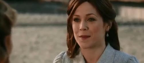 Erin Krakow just learned that Elizabeth will be a mother in the 'When Calls the Heart' finale. Screencap Riley Rylee/YouTube.