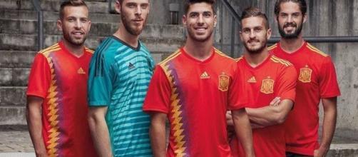 España posa con la 'camiseta republicana' para la foto oficial del ... - elespanol.com
