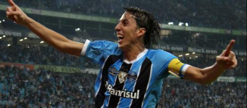 Geromel vai para a Copa, mas antes defende o Grêmio na Libertadores