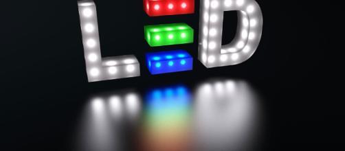 NLas luces parpadeando en frecuencia específica reducen la acumulación de placas que perjudican la comunicación entre célula y cerebro