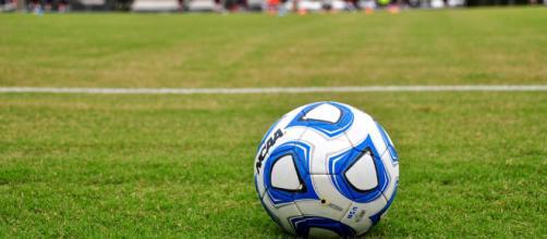 Soccer ball -- faungg's photos/Flickr