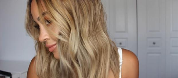 Here's some DIY tips on how to keep your hair healthy. [Image Credit: Maria Bethany/YouTube]