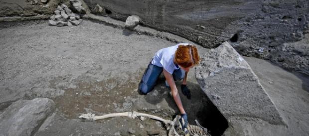 Scavi di Pompei, emerge una nuova vittima