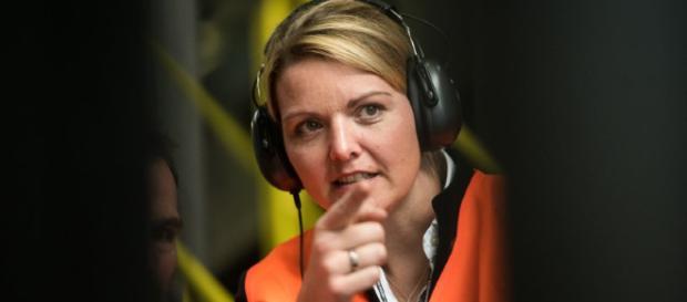 Schulze Föcking wird bedroht - TV von NRW-Ministerin gehackt | IKZ ... - ikz-online.de