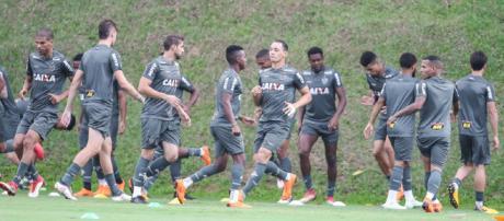 Atlético tenta aproveitar embalo no Brasileirão em jogo contra a Chapecoense