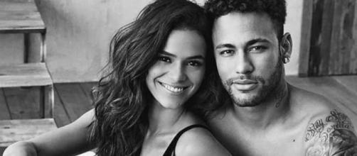 Bruna Marquezine e Neymar em campanha publicitária sensual