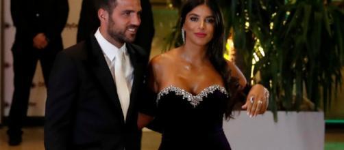 Cesc Fábregas y Daniella Semaaan