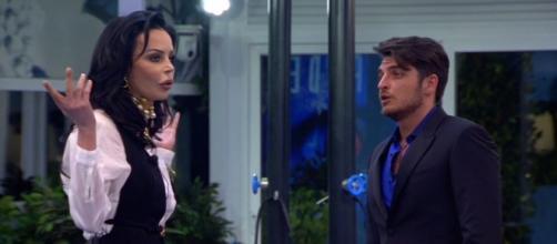 Grande Fratello, diretta quinta puntata: Nina Moric nella casa