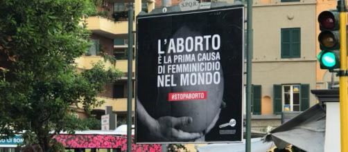 'Aborto è prima causa di femminicidio': il cartellone che ha scandalizzato Roma