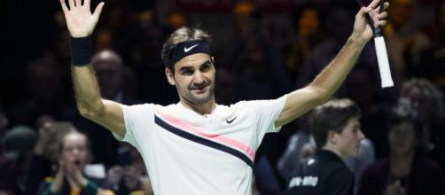 Tennis : à 36 ans, Federer devient le plus vieux numéro 1 mondial ... - leparisien.fr