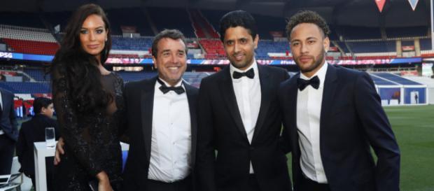 ¡El millonario que pagó más de 200 mil euros por una camiseta de Neymar!