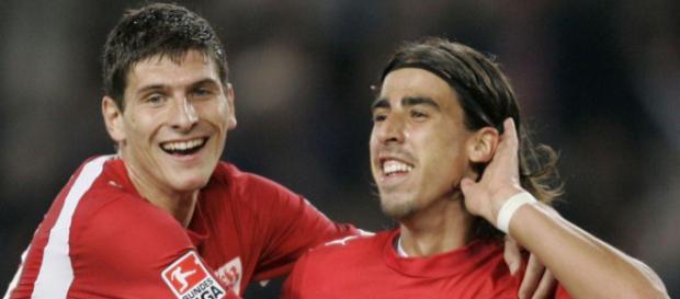 Gomez und Khedira - Einer spielte beim VfB, einer spielt heute für den VfB