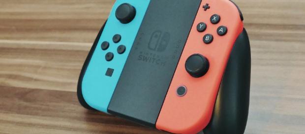Popular Nintendo Switch controller - via InspiredImages / Pixabay