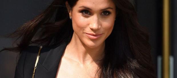 royal : découvrez à quoi ressemblera la sublime robe de mariée de ... - yahoo.com