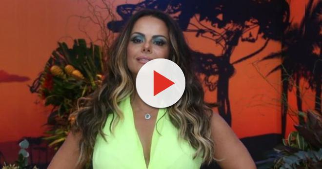 9facb17c3 Com biquíni  no limite  Viviane Araújo posta foto sensual e mostra paraíso   veja