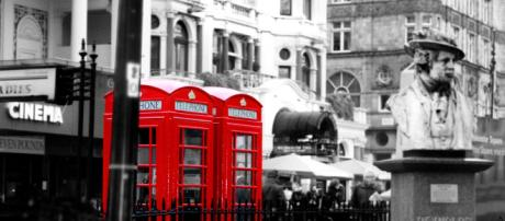 After the Royal Wedding, watch British shows - Raygee78 via Pixabay