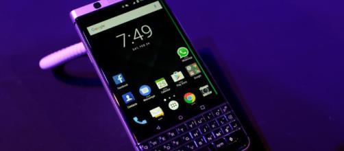 BlackBerry KEYone Bronze Edition.